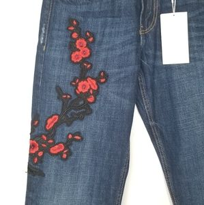 Zara Embroidered Cuffed Embroidered Jeans NEW